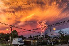 """当地下午6点,休眠了40年的智利火山爆发了,1500名居民被迫撤离,智利人说这像是一次""""天启""""……"""