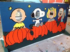 LydMc: Painting for Peanuts: A Harvest Festival Cut-Out Board . LydMc: Painting for Peanuts: A Harvest Festival Cut-Out Board … Charlie Brown, Snoopy, Sally or Linus – w Charlie Brown Halloween, Great Pumpkin Charlie Brown, Peanuts Halloween, Fröhliches Halloween, Halloween Karneval, Charlie Brown Christmas, Halloween Festival, Charlie Brown Games, Snoopy Party