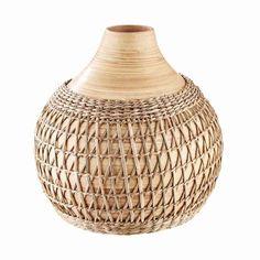 Prozatím si o cestování po Africe můžeme nechat jen zdát. A do té doby, než zase vyrazíme na dobrodružství, vneseme kousek afrického šarmu k vám domů, a to s přírodně zbarvenou vázou NIARA. Vyzdobte si prostřený stůl nebo komodu vázou se sušenou pampovou trávou, sušeným rákosím nebo sušenými květinami. Vase, Store Design, Butler, Home Decor, Out Of Africa, Natural Colors, Bamboo, Decorating, Decoration Home