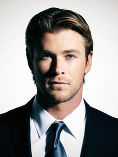 Another good pic of Chris Hemsworth for #ChristianGrey. Yes please!!!