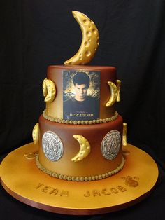 Twilight: Team Jacob cake