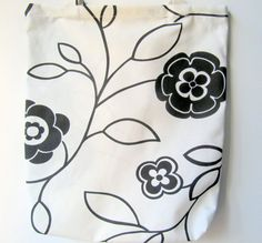 Hey, I found this really awesome Etsy listing at https://www.etsy.com/uk/listing/163881328/hand-made-comfortabletote-bag-white-and