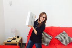 Con mi nuevo mac, por fin!!!! Me encantaaaaa. Como ha cambiado nuestra vida en tan poco tiempo... Feliz!!:)