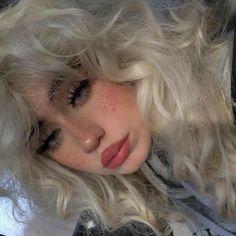 Edgy Makeup, Grunge Makeup, Hair Makeup, 90s Grunge Hair, Soft Grunge Hair, Soft Hair, Cute Makeup Looks, Pretty Makeup, Aesthetic Hair