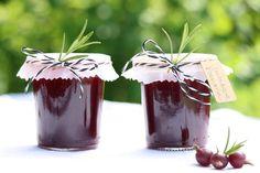 jostabeeren-rosmarin-marmelade – Frau Meise Mason Jars, Mugs, Tableware, Marmalade Recipe, Harvest, Essen, Woman, Recipies, Projects