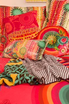 Small, large, square or circular: Desigual can cater to all your cushion-needs! These flower print cushions will brighten up any bedroom!