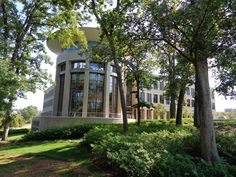 """USCSOMG is wired for the future.The three-story, 90,0000-sf Health Sciences Education building, which houses the School of Medicine at the University of South Carolina Greenville, establishes a new paradigm in health education. Funded entirely by Greenville Health System, the school is designed to fulfill its mission of collaborative learning and """"patient-precise personalized care.""""  Click to read more and see pics."""