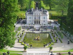 Linderhof palace - Baviera, Germany > Read more http://destinations-for-travelers.blogspot.com/2014/01/palacio-linderhof-oberammergau-baviera-alemanha.html