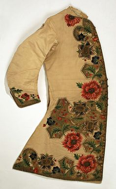 Waistcoat Date: 1720–40 Culture: probably Italian Medium: silk, metal Dimensions: Length: 37 in. (94 cm) Credit Line: Gift of Martin Birnbaum, 1943 Accession Number: 43.127.2