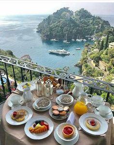 Breakfast in Portofino