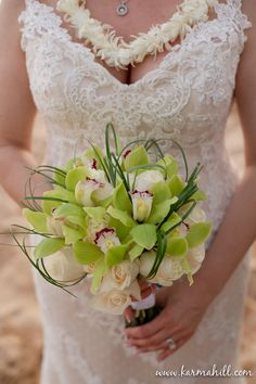 wedding bouquet, tropical wedding bouquet, wedding bouquet with orchids and roses