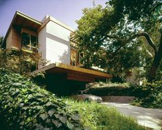 An Unsung Modernist Master: Ray Kappe - slide show - Features - Architectural Record Slide Show, Rustic Canyon, Raised House, Timber House, Home Decor Styles, Interior Architecture, Interior Design, Exterior, House Design