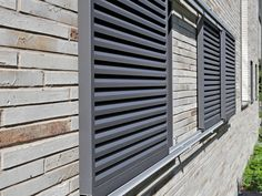 Montagesysteme für Schiebeläden | Führungen House Shutters, Window Shutters, Blinds For Windows, Windows And Doors, Outdoor Shutters, Laura Lee, Building Materials, Home Projects, Diy Home Decor