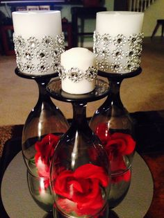 Super Ideas For Diy Christmas Candles Centerpieces Wine Glass Wine Glass Crafts, Wine Bottle Crafts, Wedding Arrangements, Wedding Centerpieces, Wine Glass Centerpieces, Wine Glass Candle Holder, Christmas Candles, Diy Christmas, Diy Candles