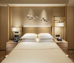 Hotels are made in many different ways. The cost of the hotel room can vary greatly. When planning your vacation, you want a great room at a price that doesn't Hotel Bedroom Design, Bedroom Decor, Hotel Inspired Bedroom, Shenzhen, Beste Hotels, Hotel Restaurant, Hotel Suites, Hotel Lounge, Hotel Amenities