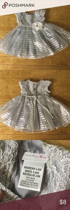 Formal dress NWOT shimmery formal dress for Baby. Silk lining and fluffy skirt. Dresses Formal