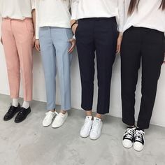Bored of sweaters? Here's some help! Casual Work Outfits, Professional Outfits, Work Casual, Korean Fashion Work, Mode Hijab, Business Outfits, Minimal Fashion, Women's Fashion Dresses, Womens Fashion