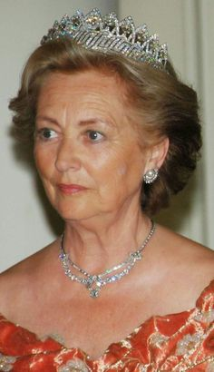 When Fabiola became a widow in 1993 she passed on the tiara of the nine provinces to Paola, the new queen, who often wore it for big occasions.