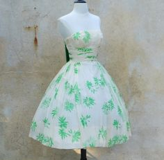 Ugh.... want this so badly!! ://www.etsy.com/listing/160626450/bombshell-50s-strapless-full-skirt-party
