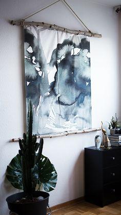 DIY Interior Idee für Einrichtungs Fans - Edles Aquarell Bild Low Budget Ikea Hack ganz einfach selber machen - mit hübschen Birkenstämmen! Jetzt entdecken auf CHRISTINA KEY - dem Fotografie, Blogger Tipps, Rezepte, Mode und DIY Blog aus Berlin, Deutschland