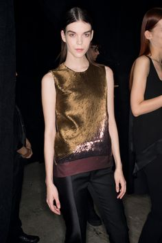 Must-haves - Narciso Rodriguez sequin top #fashion #trend #musthave #sequins #gold