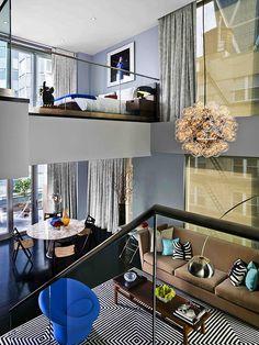 Loft contemporain coloré! Vous en pensez quoi? // Bold cozy loft