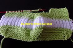35 stitches are started with green thread. row: All loops are inverted … – About Baby Beginner Knitting Patterns, Knitting For Beginners, Hand Knitting, Crochet For Kids, Crochet Baby, Knit Crochet, Baby Boy Shoes, Baby Boots, Knitted Baby Clothes