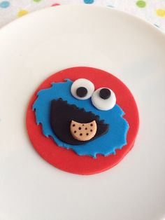 Cookie Monster Inspired Fondant Cupcake Toppers Cupcakes Kids, Monster Cupcakes, Cupcake Cookies, Cookie Monster, Mini Cakes, Cup Cakes, Making Fondant, Foundant, Fondant Cupcake Toppers