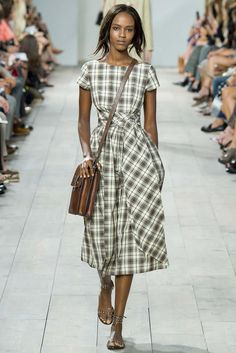 love the style, not sure about the color. Michael Kors Spring/Summer 2015