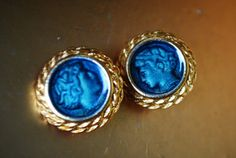 exotic vintage 80s gold tone metal clip on earrings with by VezaVe