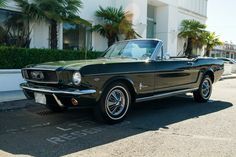 Dad would take us for a Sunday drive in this. Black Mustang, Classic Mustang, 1967 Mustang, Vintage Mustang, Ford Mustang Convertible, Ford Models, Concept Cars, Cars And Motorcycles, Vintage Cars