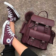 Grafea the popular brand is presenting a lovely and chic backpack collection for trendy girls. Cute Mini Backpacks, Trendy Backpacks, Sac College, College Girls, Cute Shoes, Me Too Shoes, Backpacks For College Girl, Grafea Backpack, Sneakers Fashion
