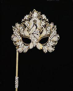 Elizabeth Taylor Diamond Mask | Designed by Henry Dunay in 1993  (alt pin)