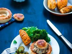 Bouchées à la reine, patates douces hasselback et légumes rôtis • Hellocoton.fr