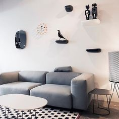 Hoy es fiesta, pero que mejor excusa para que puedas venir a vernos en familia! Escoger regalos de navidad o venir a ver esos diseños que te enamoran de nuestra web!  Bienvenido! Nuestras tiendas de Rosellón256, Almogavers100 (#Barcelona), Hortaleza102 (#Madrid) y Lanzarote11 (#Sanse) estarán abiertas en su horario habitual   pic by @pablodesignos_works · · · #DomésticoShop #design #interiordesign #love #pursuepretty #interiorarchitecture #happy #theartofslowliving #vogueliving #se...