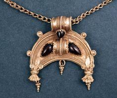Bird Tribe Amulet  c.200-100 BC Western Greek (Source: The British Museum)
