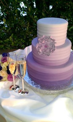 #Purple #Ombre #Weddingcake