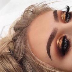 44 Awesome Golden Smokey Eye Makeup with a bang of gold. # gilded 44 Awesome Golden Smokey Eye Makeup with a bang of gold. 44 Awesome Golden Smokey Eye Makeup with a bang of gold. # gilded 44 Awesome Golden Smokey Eye Makeup with … Glam Makeup, Cute Makeup, Gorgeous Makeup, Pretty Makeup, Skin Makeup, Makeup Brushes, Makeup Eyeshadow, Glitter Makeup, Drugstore Makeup