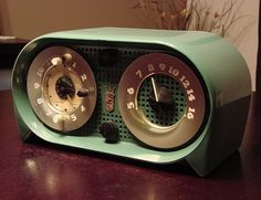 Fifties Zenith Radio not quite as handsome as most its contemporaries  owl's eyes!