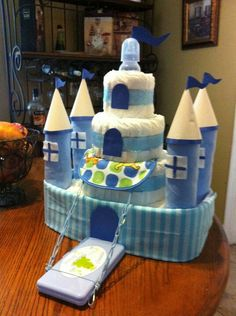 Diaper castle for boy ~ such a cute idea have to remember this. Baby Shower Diapers, Baby Shower Cakes, Baby Shower Parties, Baby Boy Shower, Baby Shower Gifts, Diaper Cake Boy, Nappy Cakes, Diaper Castle, Baby Shower Announcement