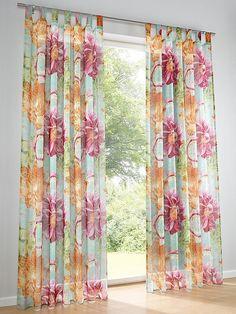 Schöne Polyesterware. In zwei Aufhängungen. Mit dekorativem Blüten-Motiv bedruckt. Materialzusammensetzung: Obermaterial: 100.00% Polyester...