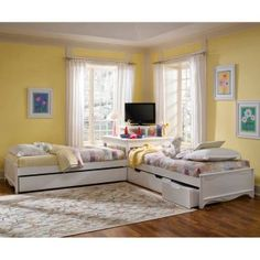 Twin Platform Bed with Drawers Are Great For Kids Corner Twin Beds, Bed In Corner, Two Twin Beds, Bedroom Corner, Bedroom Sets, Kids Bedroom, Corner Unit, Corner Hutch, Bedrooms
