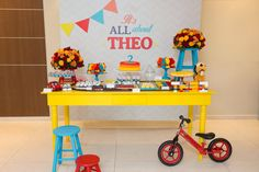 It's all about Theo - 2 anos - Joy in the box Boys First Birthday Party Ideas, 4th Birthday, Birthday Celebration, Cumple Toy Story, Festa Toy Story, Kids Party Tables, Table Party, Toy Story Theme, Birthday Balloons
