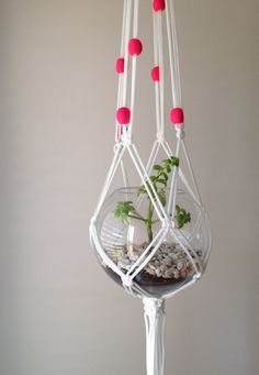 macrame plant hanger by pipnihandmade