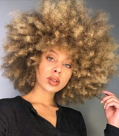 Big Afro hairstyles are basically the bigger and greater version of the Afro hairstyles. Afro which is sometimes shortened as 'FRO, is a hairstyle worn naturally outward by The African American black people. Long Curly Hair, Big Hair, Curly Hair Styles, Natural Hair Styles, Short Hair, African Hairstyles, Afro Hairstyles, Hairdos, Dyed Natural Hair