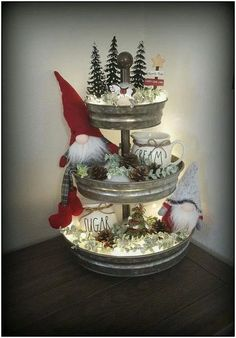 44 simple home decoration ideas for your beautiful kitchen 26 - Before After DIY Noel Christmas, Christmas Projects, Vintage Christmas, Christmas Ornament, Christmas In The Country, How To Decorate For Christmas, Christmas Kitchen Decorations, Christmas Decorating Ideas, Farmhouse Christmas Kitchen