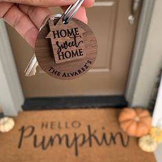 Little key holder which makes all the difference and stirs that unforgettable feeling about a place warm and cosy, a place about us and our family, and the memories we create together. First Home Key, Party Places, Cute House, Buying A New Home, Personalized Tags, Etsy Store, Anniversary Gifts, Best Gifts, How To Memorize Things