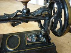 Very Scarce Beniot Lakner Paris La Favorite Enfentine Dolphin Toy Sewing Machine