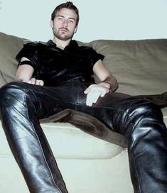 Leather Jeans, Walk On, Leather Fashion, Guys, Portrait, Pants, Black, Puppies, Men Styles