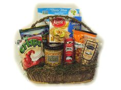 Diabetic Golfer Gift Basket--healthy gift basket for the golfer who also has diabetes. Birthday, get well, holiday, or special occasion appropriate.